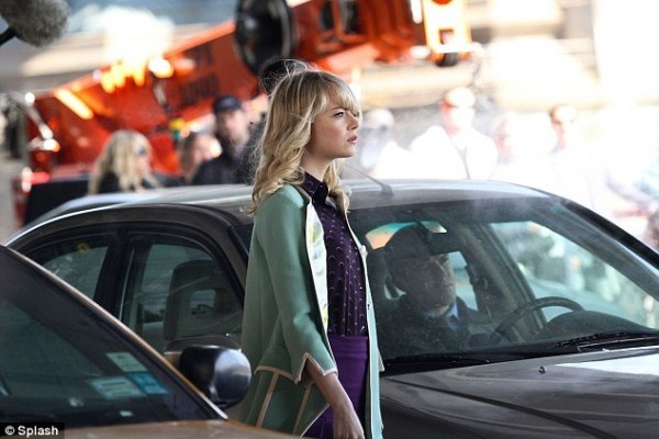 emma-stone-the-night-gwen-stacy-died-3-600x400